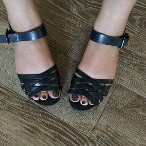 Zara leather sandals in navy